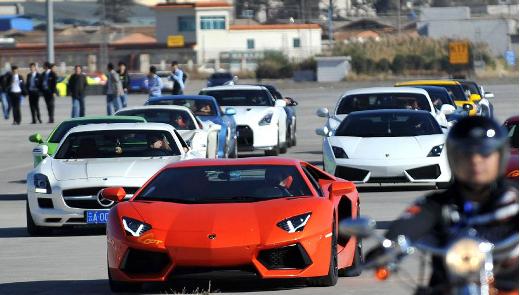 Il monopolio delle auto di lusso